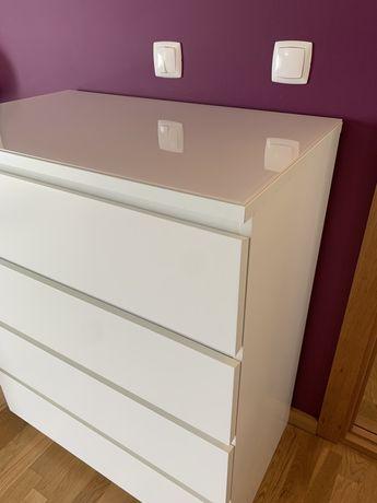 Cómoda IKEA Malm 4 gavetas branca