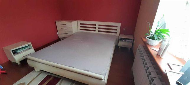 Łóżko sypialniane 140x200 + komoda z szufladami + szafki nocne