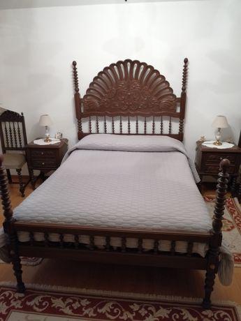 Vendo conjunto de Mobília de Quarto estilo antigo, em óptimo estado.