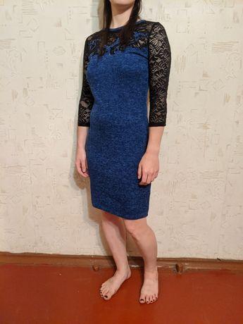 Женское платье на девушку