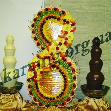 Фуршет на 8 марта, фруктовая восьмерка, шоколадный фонтан