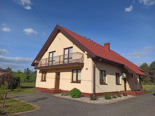 Duży dom, dwurodzinny lub z lokalem użytkowym