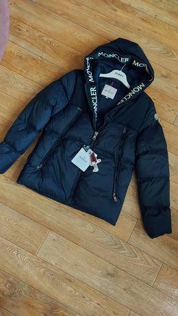 Модная куртка Moncler, фурнитура брендирована,качество люкс! 46- 52 .