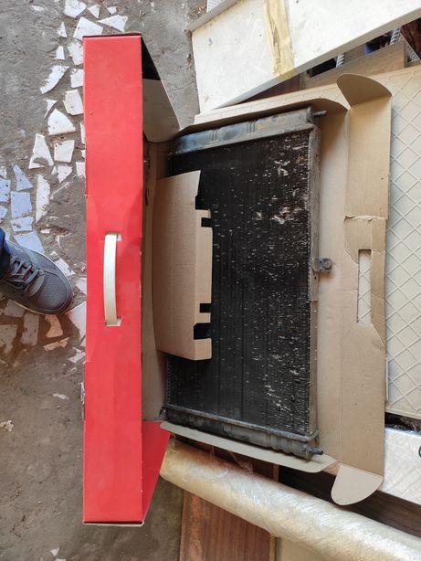 Продам оригинал радиатор приора