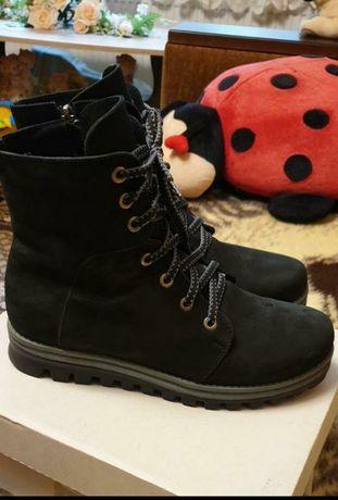 Зимнии кожаные сапоги ботинки нубук 39 размер
