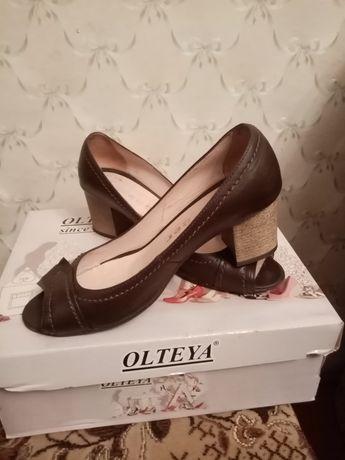 Туфлі шкіряні 37,5 - 38 розмір