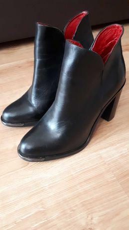 Buty jesienno-zimowe kozaczki firmy CARINII roz. 36