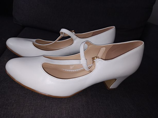 Śliczne buty ślubne i nie tylko.
