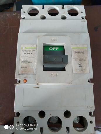 Продам Автоматический выключатель 400А.