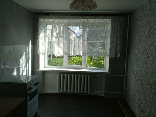 Продам 1 комнатную крупногабаритную квартиру в Старобешево. Срочно!!!