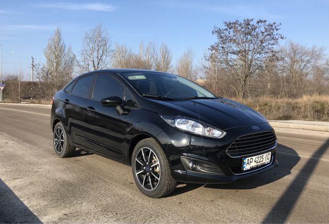 Ford Fiesta SE +