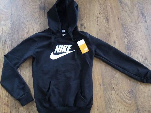 Bluza Nike 146/152 czarna nowa z kapturem