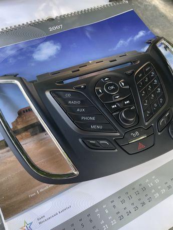 Панель, пластик штатной магнитолы ford kuga, c max