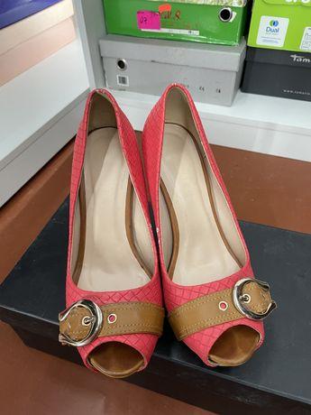 Продам летние туфли/босоножки на каблуке