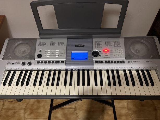 Teclado Piano Yamaha modelo PSR-E403