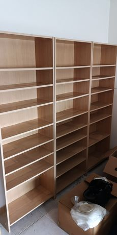 Estante mdf cor de madeira