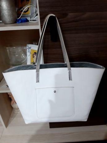 Duża torebka damska.