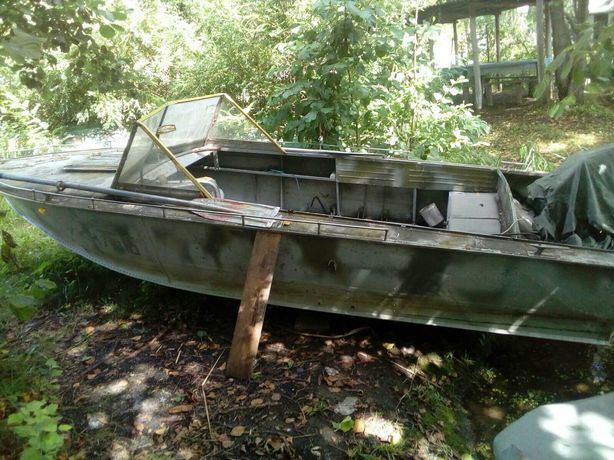 Продам моторний човен Прогрес 4
