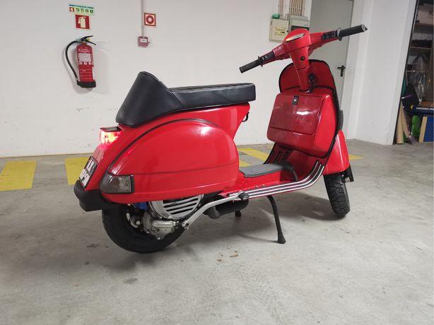 Vespa PX125 com motor PX200