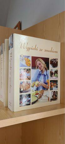 zestaw książek z wypiekami