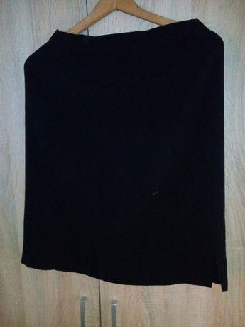 czarna klasyczna spódnica damska