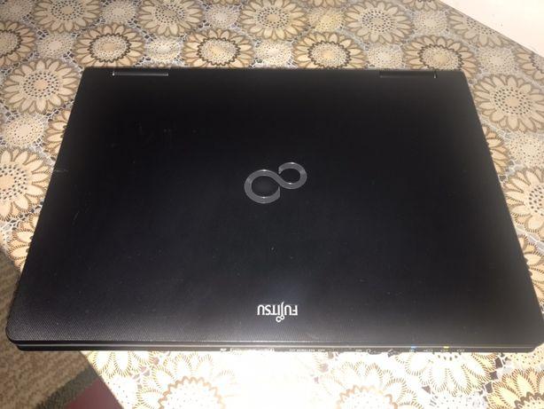 Продам ноутбук Fujitsu S-серии.