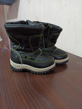 Ботинки зимние , в очень хорошем состоянии
