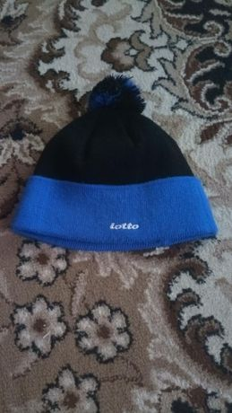 Продам зимнюю шапку на подростка