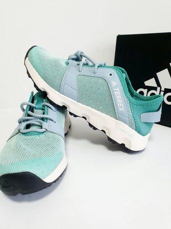 Женские легкие кроссовки adidas outdoor terrex оригинал