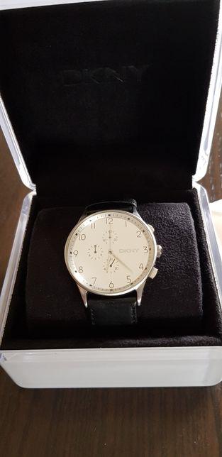 Relógio DKNY rigorosamente novo