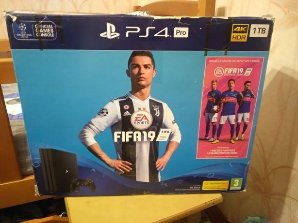 PS4 pro 1 GB + игры на аккаунте.
