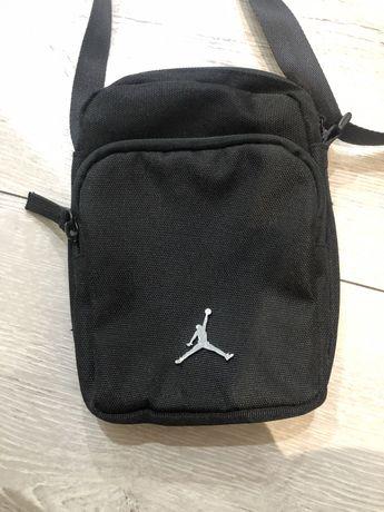 Torebka nerka Jordan czarna