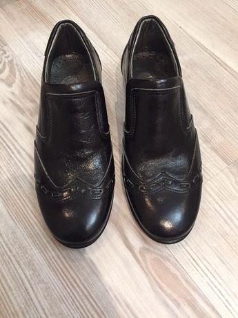 Кожаные турецкие фабричные туфли для мальчика  27 размера