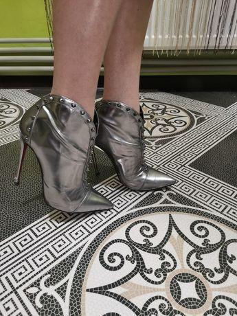Туфли весна осень . Кожаные.