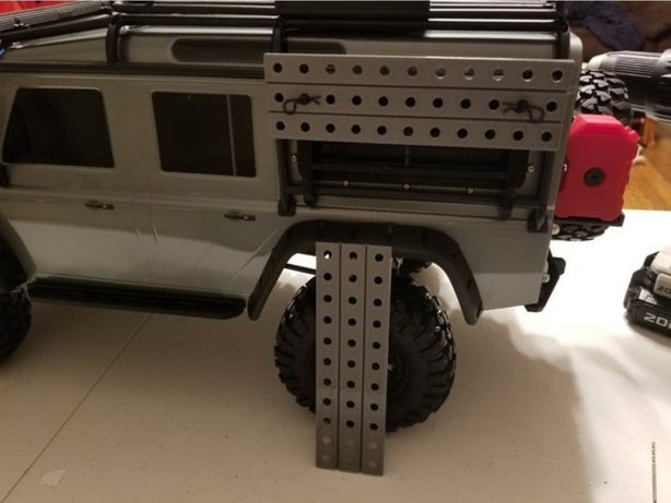 Traxxas TRX4 Defender Trapy najazdy błotne piaskowe bagażnik1:10 RC