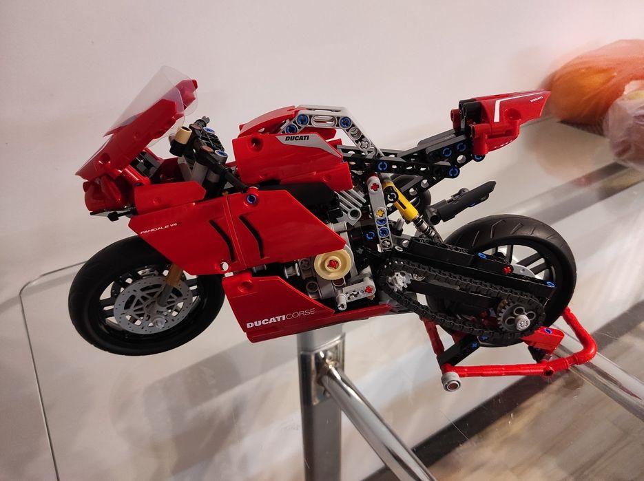 LEGO Ducati Panigale V4 R (42107) Киев - изображение 1