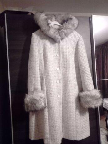 Płaszcz wełniany damski