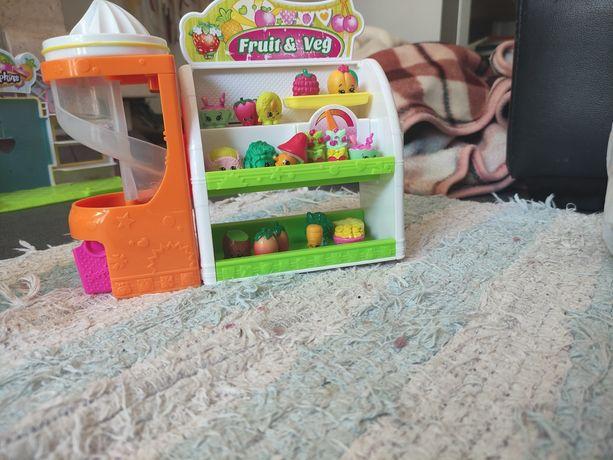 Conjuntos de shoppings e casinhas dos shoppings e outros brinquedos