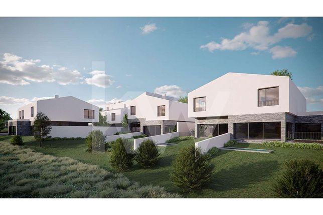 Terreno no Estoril-Bicesse  com 3.961 m2 com projecto para 9 moradias