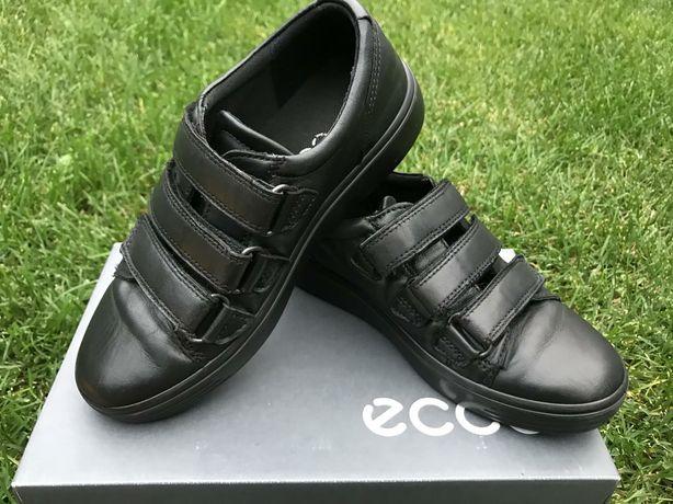 Продам туфли-кроссовки на мальчика 32 размера /фирмы ECCO/