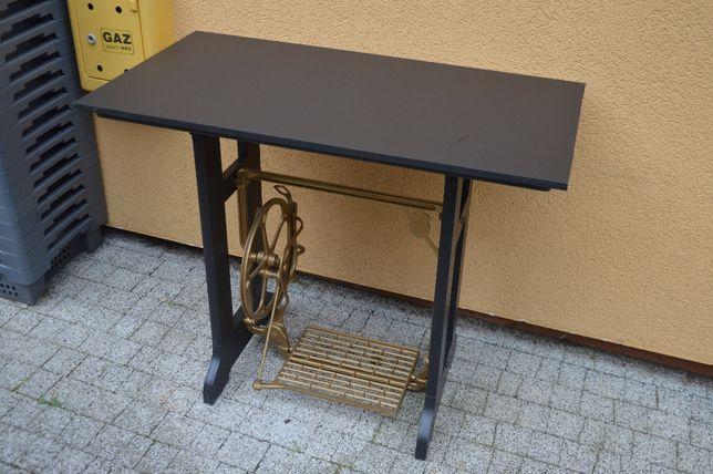 Unikatowe biurko z maszyny do szycia. Ze Szwecji. Złote z czarnym.