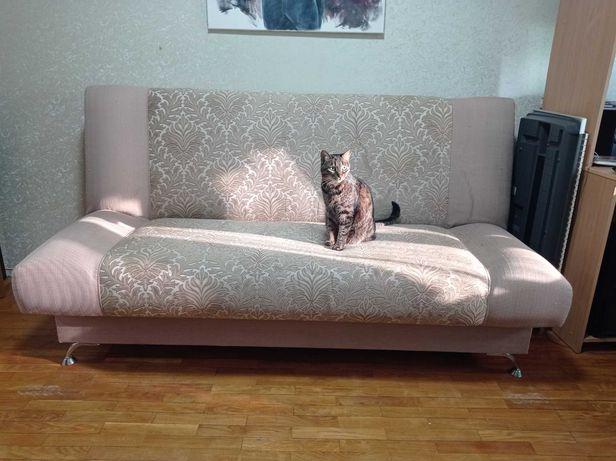 СРОЧНО продам диван-книжку б/у в хорошем состоянии