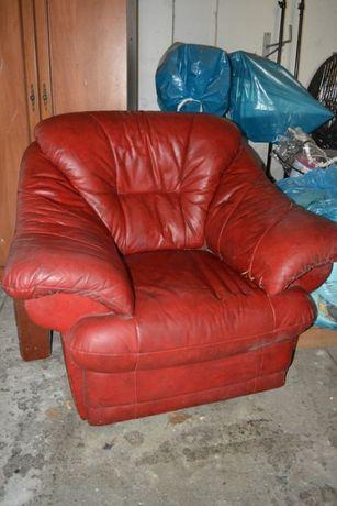 Duży czerwony skórzany skóra fotel cena za 1 sztukę