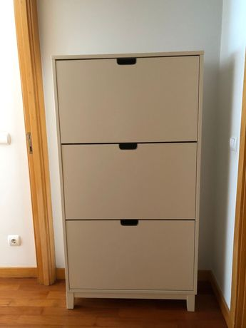 Sapateira IKEA Stall