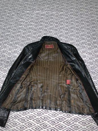 Женская кожаная курточка размер s