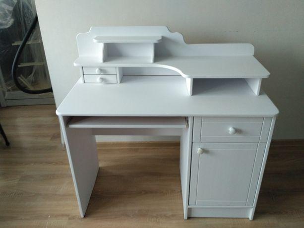 biurko drewniane białe