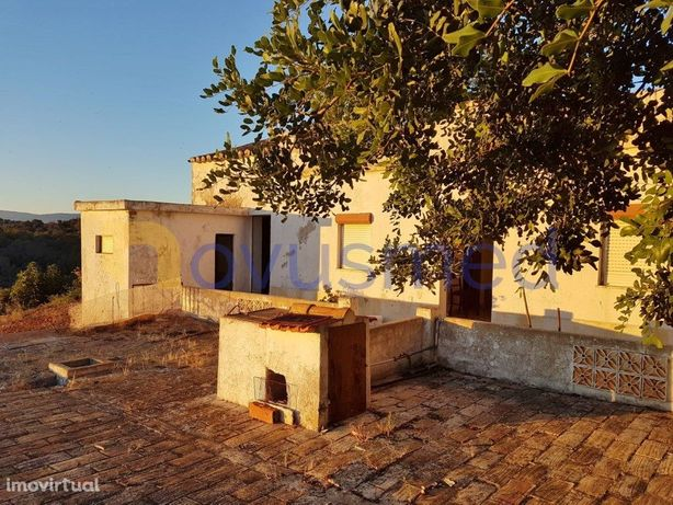 Casa Antiga com Terreno