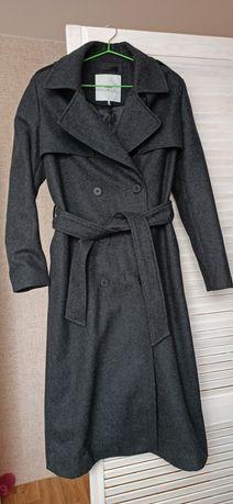 Шерстяное пальто дорогого скандинавского бренда Minimum