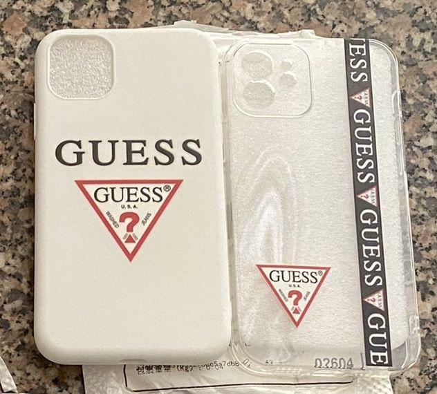 Capa iPhone 11 - Guess