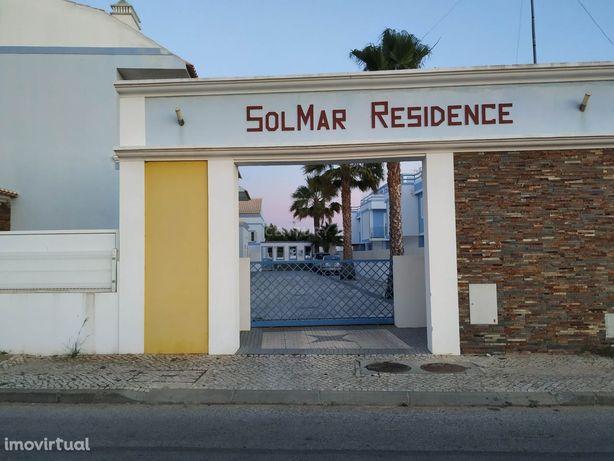 Moradia T4 em Manta Rota, condominio fechado com piscina a 2minutos da